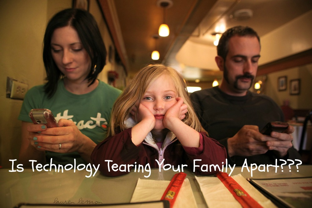 How to Use Technology to Bring Your Family Together Not Apart - JackieBledsoe.com - Growing Family Leaders