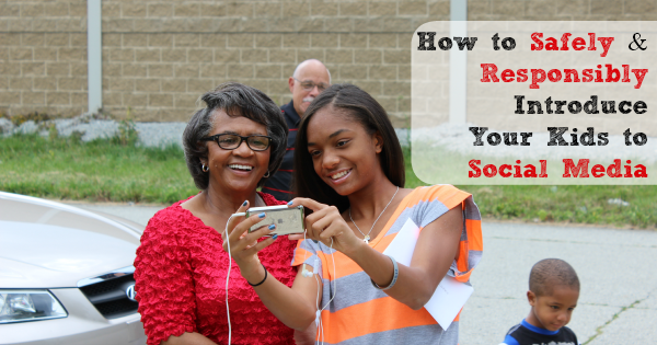 How to Safely and Responsibly Introduce Your Kids to Social Media